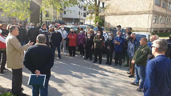 Građani traže hitno izmještanje ilegalnih migranata iz zgrade Doma penzionera