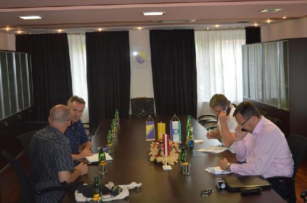 Potpisani ugovori između humanitarne organziacije HILFSWERK INTERNATIONAL i JP VODOVOD-a Bihać te firme EUROING Bihać