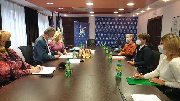 """Potpisan sporazum sa predstavnicima Instituta za razvoj i evropske integracije"""" (IREI)"""