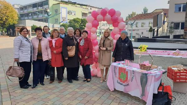 """Obilježen """"Dan roze vrpce i šetnje za život"""" u gradu Bihaću"""
